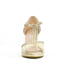Sandalia de oro con una brida