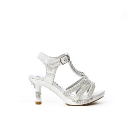 White sandal with rhinestones for little girl