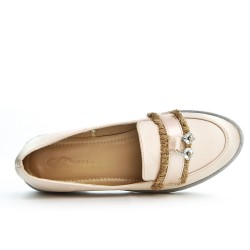 Beige moccasin with bangs