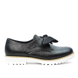 Black perforated knotted derby