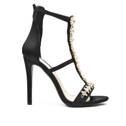 Sandale noir à talon ornée de bijoux