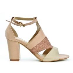 Sandale rose à détail pailleté