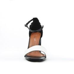 Sandale bicolore en simili daim à talon