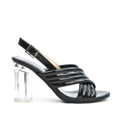 Sandale noire en vernis à talon