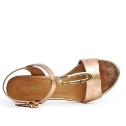 Sandale champagne en simili cuir à talon carré
