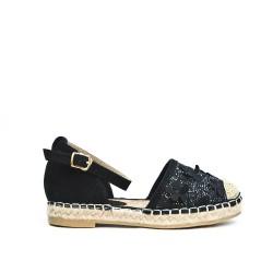 Black sneaker with flower