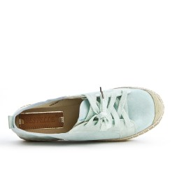 Green tennis shoe with sneaker sole