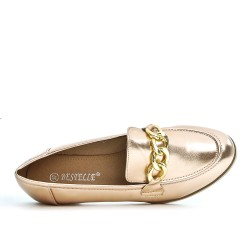 Champagne loafer with a gold chain