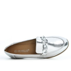 Silver loafer with a gold chain