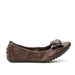 Brown comfort ballerina with metal chain