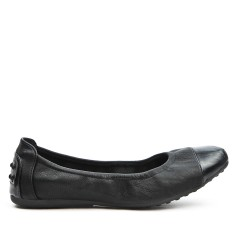 Black comfort ballerina with metallic tip