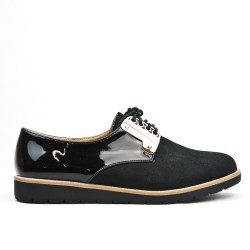 Black Derby in bi-material lace
