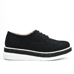 Black Derby perforated lace