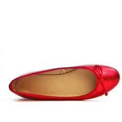 Red ballerina with bow