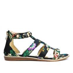 Sandalia plana negra con estampado floral