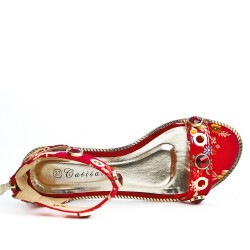 Red flat sandal with floral print