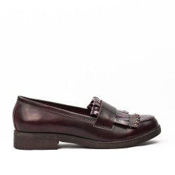 Burgundy moccasin imitation leather with bangs