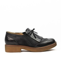 Black Derby in faux leather with bangs