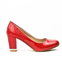 Red pump in polish