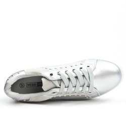 Silver sneaker with lace adorned with nails