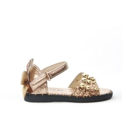 Golden girl sandal with bow at the back