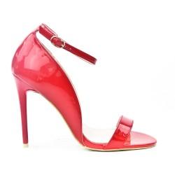 Sandale rouge en vernis