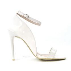Sandale blanche en vernis
