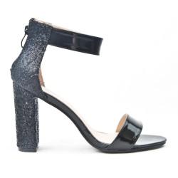 Sandale noire à talon pailleté