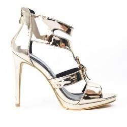 Sandale dorée en vernis