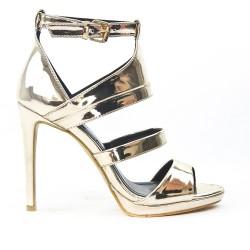 Sandale dorée en vernis métallisé