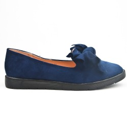 Blue moccasin in faux suede with bow