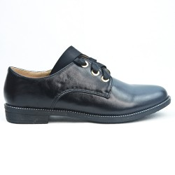 Black Derby with ribbon lace
