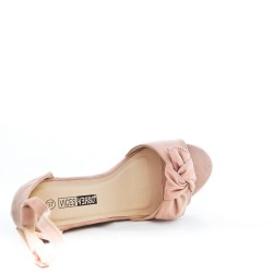 Pink wedge sandal with bow