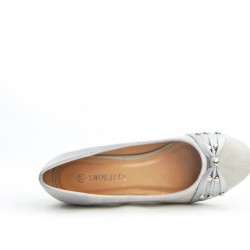 Gray pump with small square heel