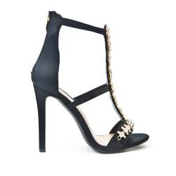 Sandale noire ornée de bijoux à talon