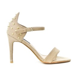 Beige faux sandal with bead on the back