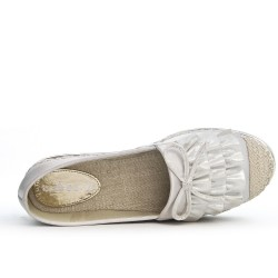 Gray espadrille with a ruffle