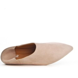 Beige consort shoe in faux suede