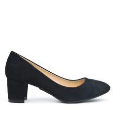 Black pump with small square heel