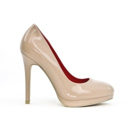 Beige patent pump with small platform