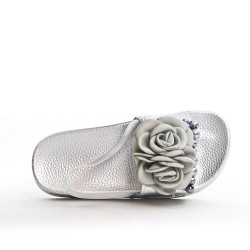 Flower girl sandal with flower