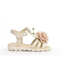 Sandal beige girl with flower