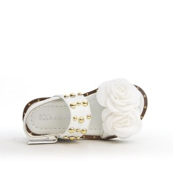 Sandalia chica blanca con flor