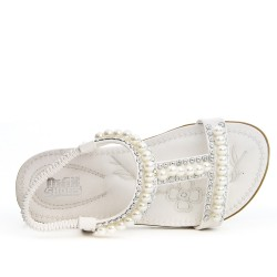 White child sandal with pearl