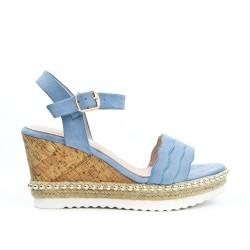 Sandale bleu en simili daim à talon compensée