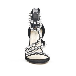Black sandal with pearl
