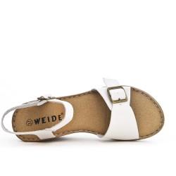 Sandale confort blanche à bride bouclée