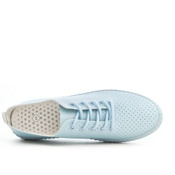 Perforated sneaker with lace