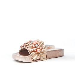 Champagne girl sandal with pearl