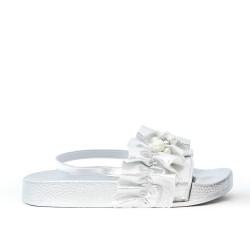 Sandalia de plata con perla